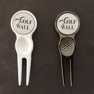 """Pitchgabel mit Ballmarker """"Golf in Wall"""" Metallpitchgabel"""